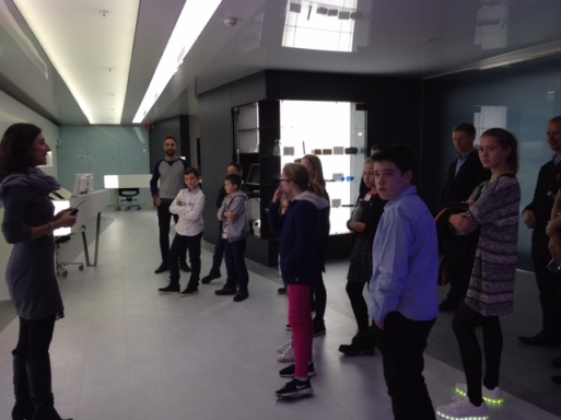 Day at P&G for 11 students (Ecolint & non Ecolint) including Flo Y8.
